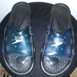 Speedo Flip flops size 11